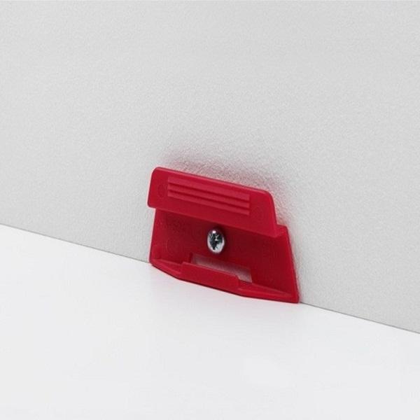 Úchyt na soklové lišty Parador SL 4, SL 5, SL 18, červený plastový 475751 (24 ks/bal vrátane skrutiek a hmoždiniek)